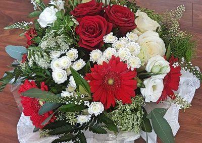 bouquet-deuil-fleurs-rouge-roses