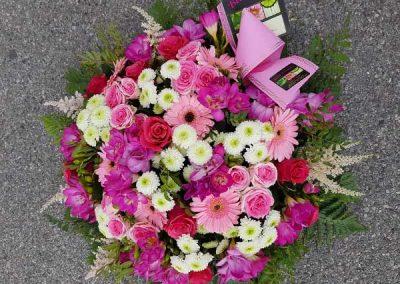composition-deuil-coussin-fleurs-fleuriste-nice-beafleurs