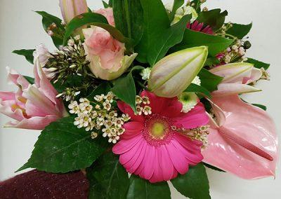 composition-fleurs-vert-rose