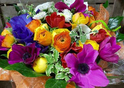 composition-fleurs-violet-jaune-orange