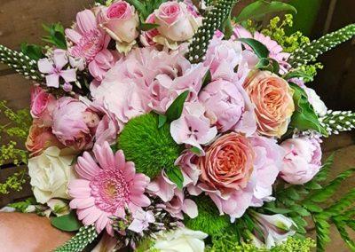 bouquet-fleurs-roses-beafleurs