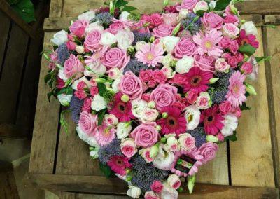 Coeur de deuil rose blanc