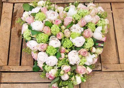 Coeur de deuil blanc vert rose